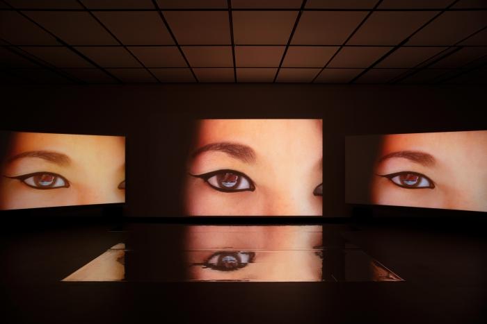 Ausstellungsansicht Feel My Metaverse von Keiken und George Jasper Stone. Foto Luca Girardini, CC NC-SA 4.0